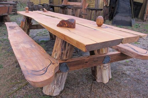 Eetkamer eetkamertafel eikenhout : Zitten-eten en drinken rond je eigen boom-stamtafel--wie wil dat niet ...